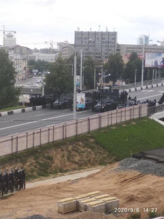Марш единства в Беларуси: на улицы вышли тысячи людей, в Минске колонна протестующих направилась к резиденции Лукашенко 01