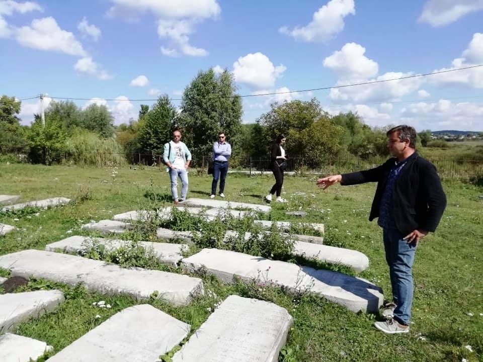 Руины костела и бункер: в Тернопольской области хотят обустроить туристический хаб