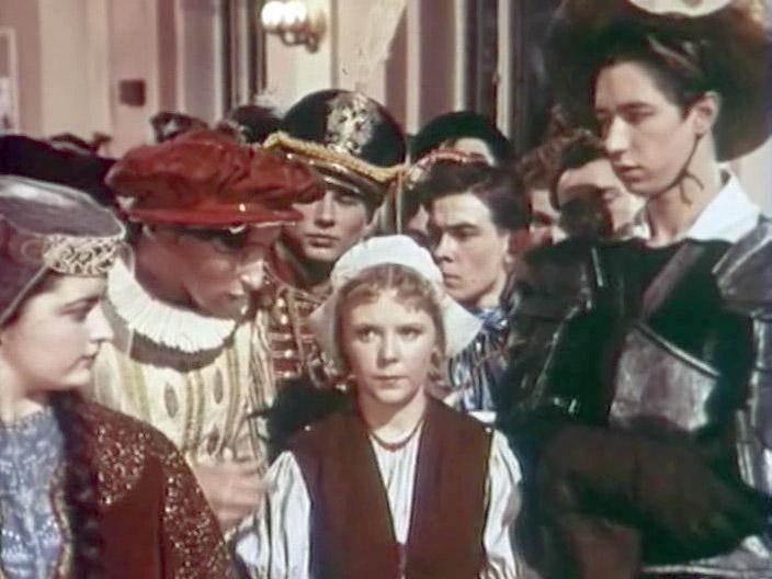 Це були справжні театральні костюми усіх епох і народів