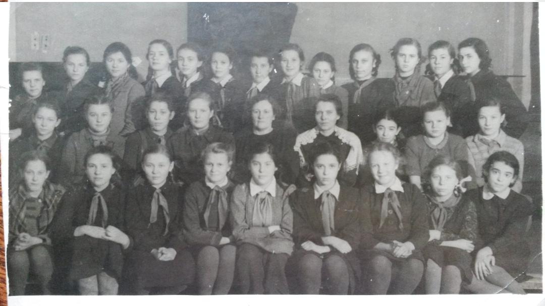 Дівчатка. Москва. 1946 рік
