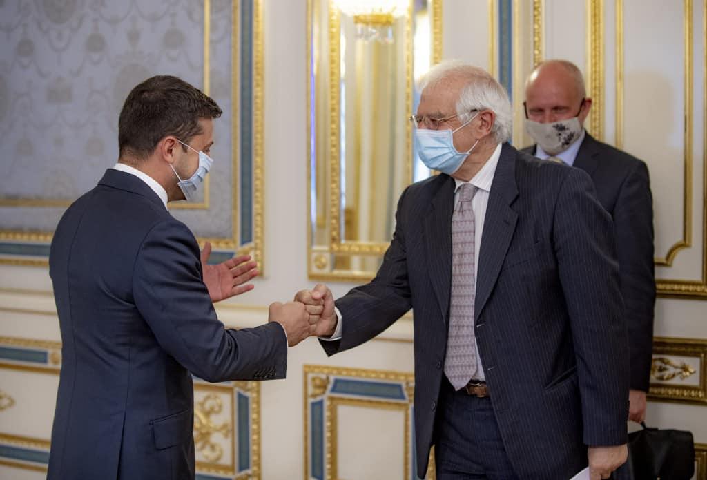 Жозеп Боррель під час візиту до України