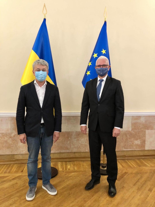 Ткаченко обсудил с послом Норвегии новый законопроект о туризме