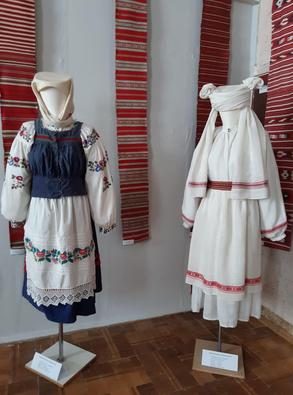В Славутиче показали народные костюмы Полесья