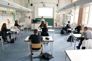 Заборона відвідувати школи дітям без щеплень не порушує право на освіту - Денісова