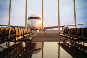 Две женщины подрались на борту самолета МАУ, который летел из Турции в Запорожье