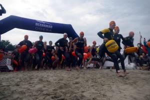 オデーサで水泳大会「オーシャンマン」開催 900名以上参加