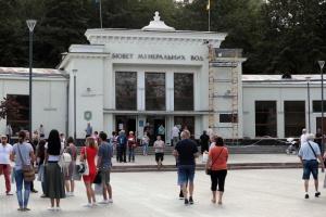 Нишу отдыхающих из России в Трускавце заняли поляки – мэр