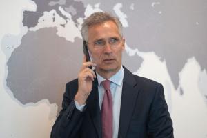 НАТО визнає вразливість підводних кабельних комунікаційних мереж – Столтенберг