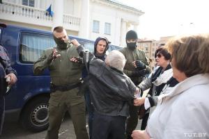 В Беларуси журналисты насчитали уже три тысячи политзаключенных