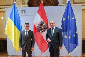 Zełenski rozmawiał z przewodniczącym austriackiego parlamentu na temat wyborów i rozejmu w Donbasie