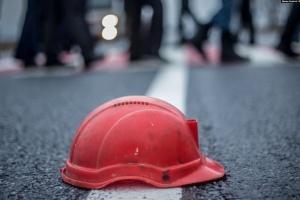 """Протест шахтарів: під землею залишаються 170 гірників, дев'ятьох забрали """"швидкі"""""""