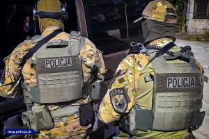 """В Польше """"накрыли"""" нелегальную фабрику сигарет, арестованы 12 украинцев"""