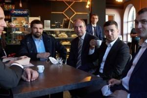 Кава на карантині: КСУ попросять роз'яснити, чи можна покарати Зеленського
