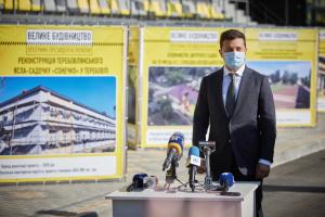 """Президент оглянув об'єкти """"Великого будівництва"""" на Тернопільщині"""