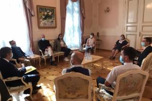 Посол Омельченко: України у Франції має бути більше