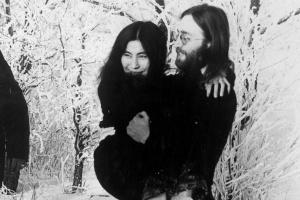 Вбивця Джона Леннона вибачився через 40 років після злочину