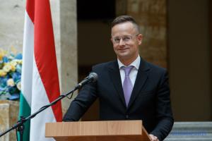 Глава МИД Венгрии 27 января посетит Украину