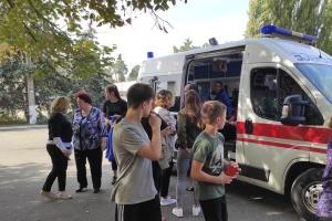 """""""Скорая"""" увезла тренера и двух студентов Олимпийского колледжа после столкновений с полицией"""
