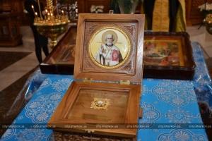 Храм у Харкові отримав частку мощей Миколая Чудотворця