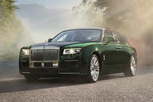 Rolls-Royce второй раз за месяц представил люксовый седан