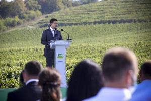 Zelensky destaca tres industrias más prometedoras para Zakarpatia