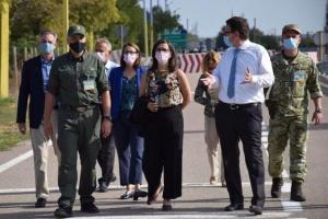 Посол Канади відвідала пункт пропуску до Криму