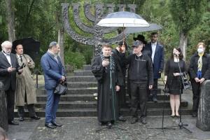 Массовый расстрел в Бабьем Яру: в Киеве началась траурная церемония
