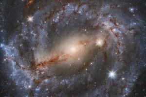 Hubble показав галактику у сузір'ї Вовка, де вибухнула наднова