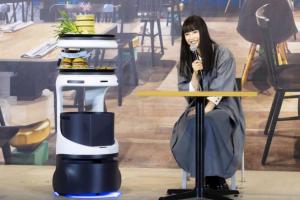 В Японії представили робота-офіціанта зі штучним інтелектом