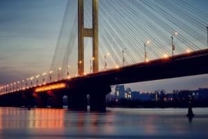 На Южном мосту ограничили движение до середины октября
