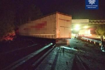 Schwerer Verkehrsunfall bei Kyjiw: fünf Tote, 20 Verletzte