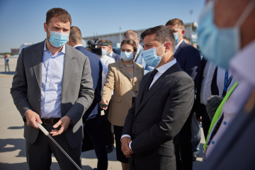 President inspects reconstruction of Odesa airport