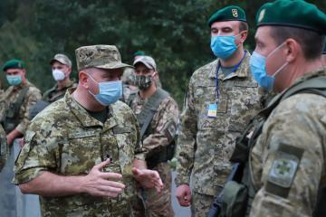 Grenze zu Belarus: Hunderte chassidische Pilger versuchen, in die Ukraine gelangen