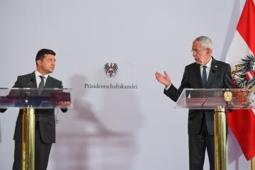 ゼレンシキー大統領、ドンバスの停戦破綻はノルマンディ会合と関連していた可能性を指摘