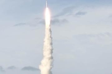 Китай вперше запустив супутники за допомогою ракети морського базування