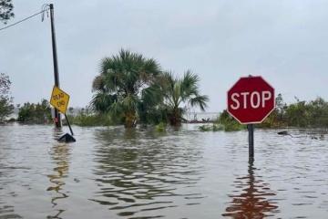 """Понад пів мільйона американців залишилися без світла через ураган """"Саллі"""""""
