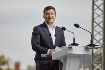 Volodymyr Zelensky : Des centaines de spécialistes de l'informatique biélorusses ont postulé pour travailler en Ukraine