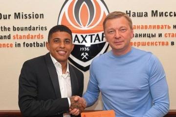 Fußball: Shakhtar Donetsk unterzeichnet neuen Vertrag mit Verteidiger Dodo