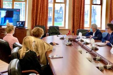 Tkachenko y Galadza tratan la cooperación en la esfera cultural entre Ucrania y Canadá