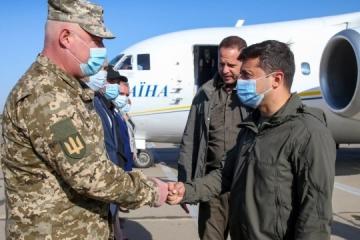 Präsident Selenskyj in Oblast Mykolajiw angekommen