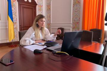 Dzhaparova informa a la Alta Comisionada de la ONU sobre la situación real del suministro de agua a Crimea