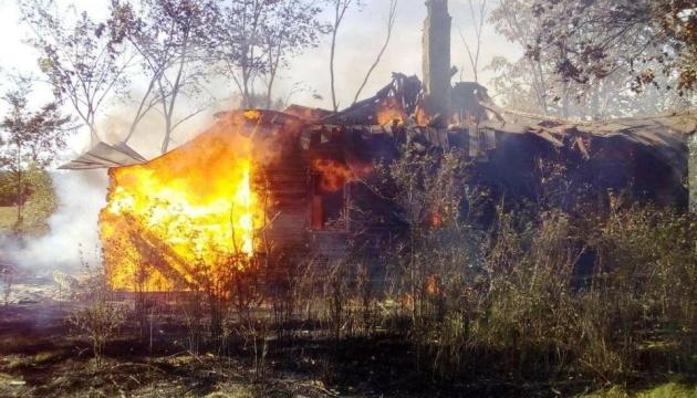На Черниговщине загорелась сухая трава - сгорело пол переулка