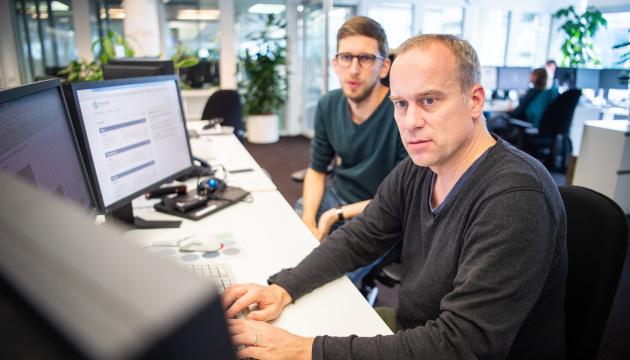 Verificador de hechos alemán: Medios deben prepararse para tratar con un número creciente de ultrafalsos