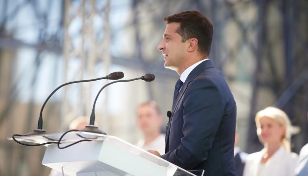 Zełenski podkreślił, że władze natychmiast zareagowały na prowokacje w Donbasie