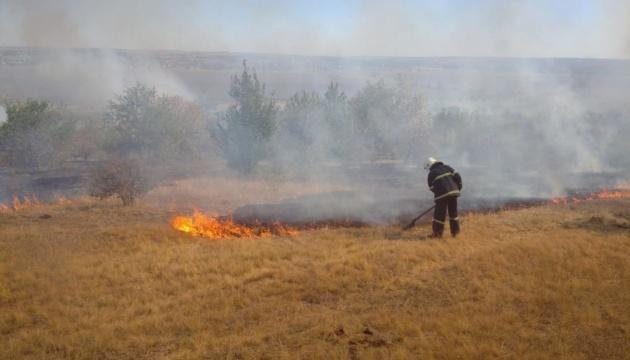 Під час пожежі на Луганщині стався вибух, поранений рятувальник