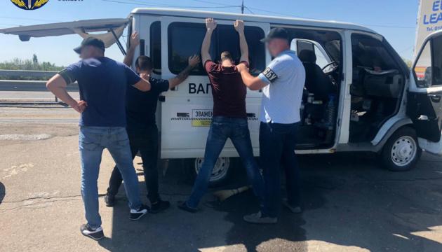 Мільйон на місяць: у Херсоні на хабарі викрили посадовця Укртрансбезпеки