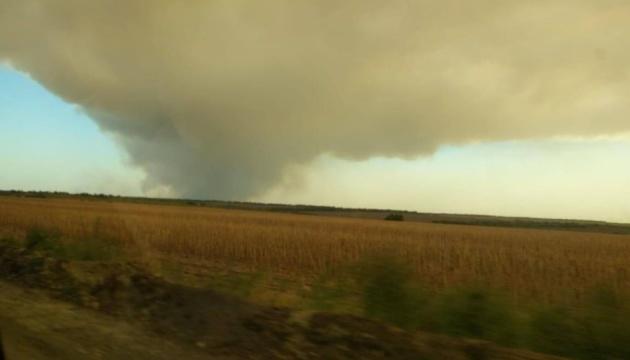 Пожежа у прифронтовій зоні поширилася на Новоайдарський район