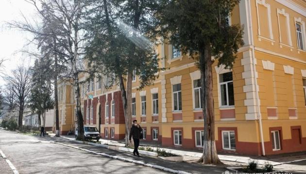 На Буковині ще одна лікарня на понад 50 місць почала приймати хворих на COVID-19