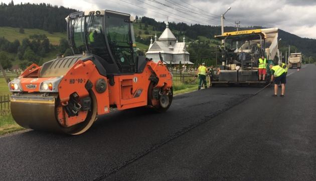 У високогірному районі Прикарпаття завершують ремонт двох доріг