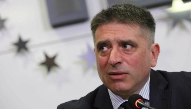 Премьер Болгарии на фоне длительных протестов таки поменял министра юстиции